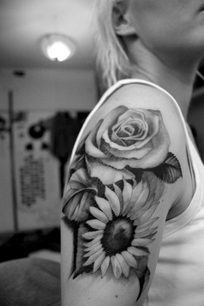 Girl Right Shoulder Black And White Flowers Tattoo