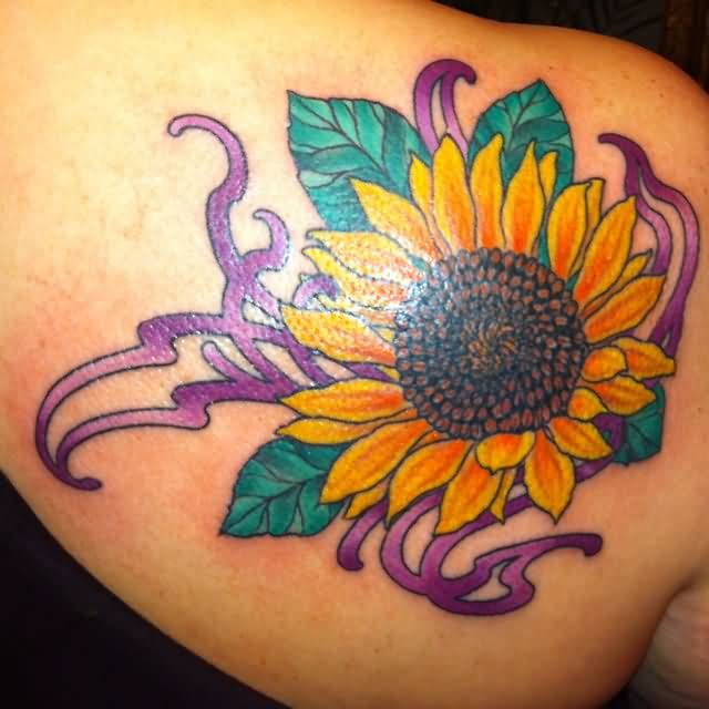 Beautiful Sunflower Tattoo On Right Back Shoulder