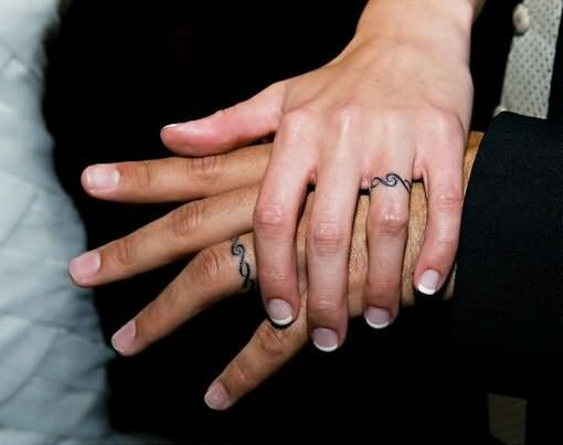 Colored Wedding Ring Tattoos: Band Tattoo Images & Designs