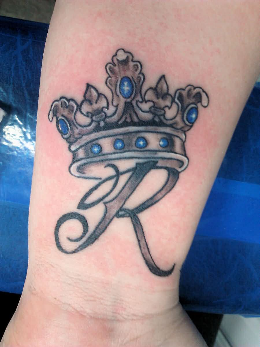 Amazing Queen Crown Tattoo On Wrist