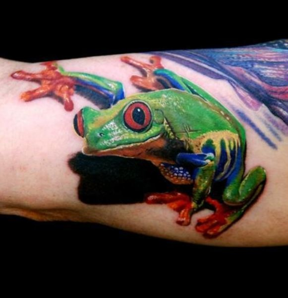 Awesome Green Tree Frog Tattoo On Arm