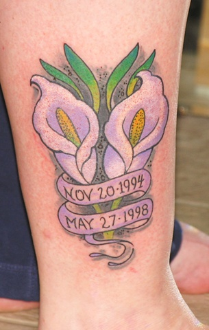 memorial pair of calla lilies tattoos on leg rh tattoostime com calla lilies tattoo meaning calla lilies tattoo designs