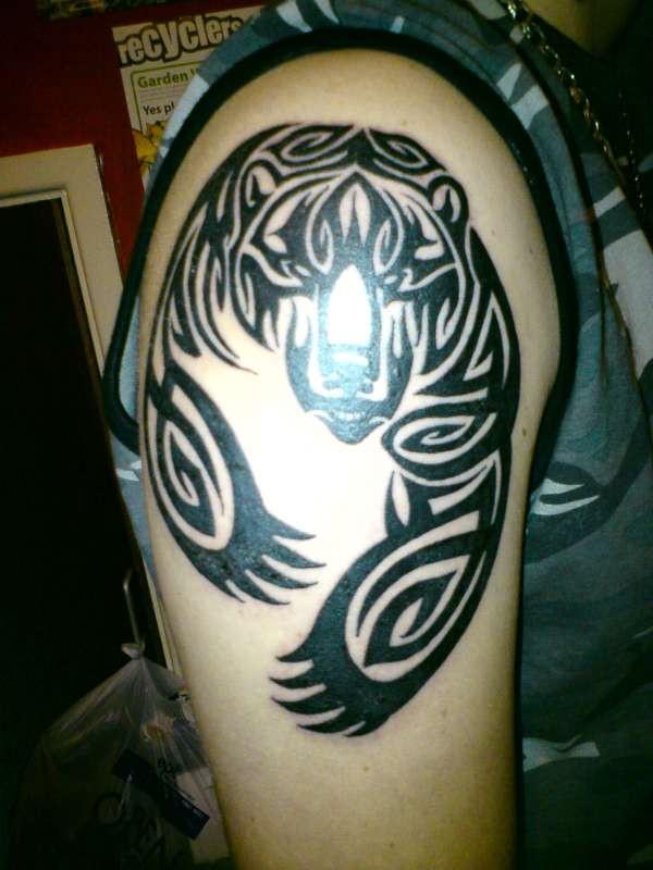 Bear claw tattoo shoulder - photo#3