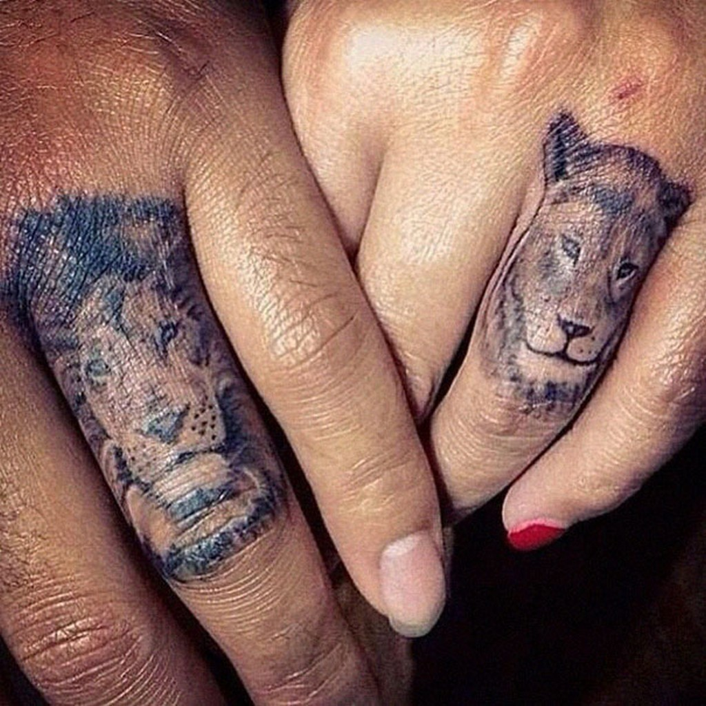 Lion And Lioness Head Tattoos On Fingers For Couple