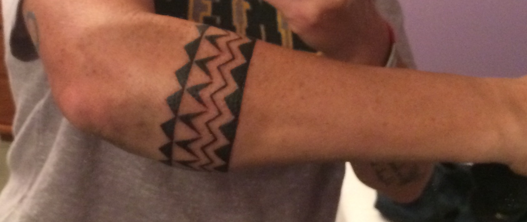 Hawaiian Band Tattoo On Man Right Forearm