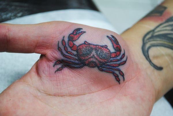 Lovely Crab Tattoo On Right Hand