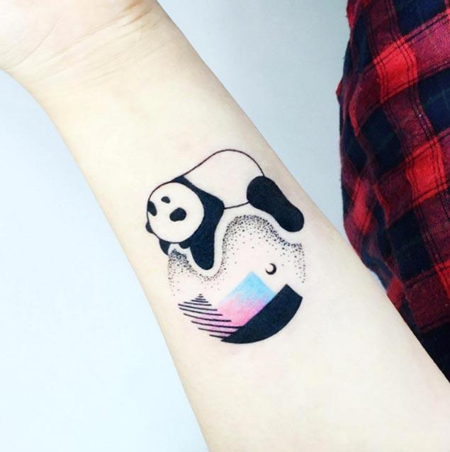 Tatuaje Panda Acuarela panda tattoo on forearm