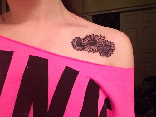 13d2dbdde Daisy Flowers Tattoos On Girl Front Shoulder