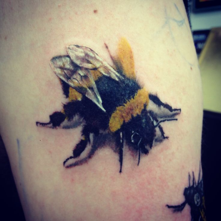 awesome bumble bee tattoo idea rh tattoostime com bumble bee tattoos for girls bumblebee tattoo american horror story