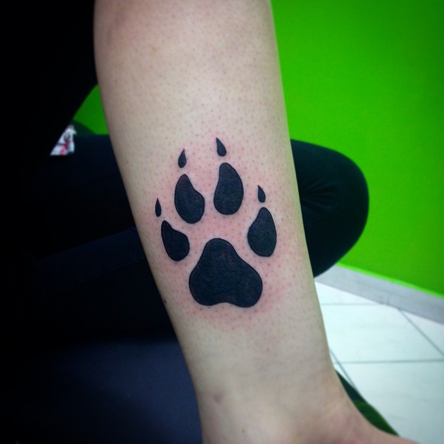 Black And White Bear Paw Print Tattoo Design