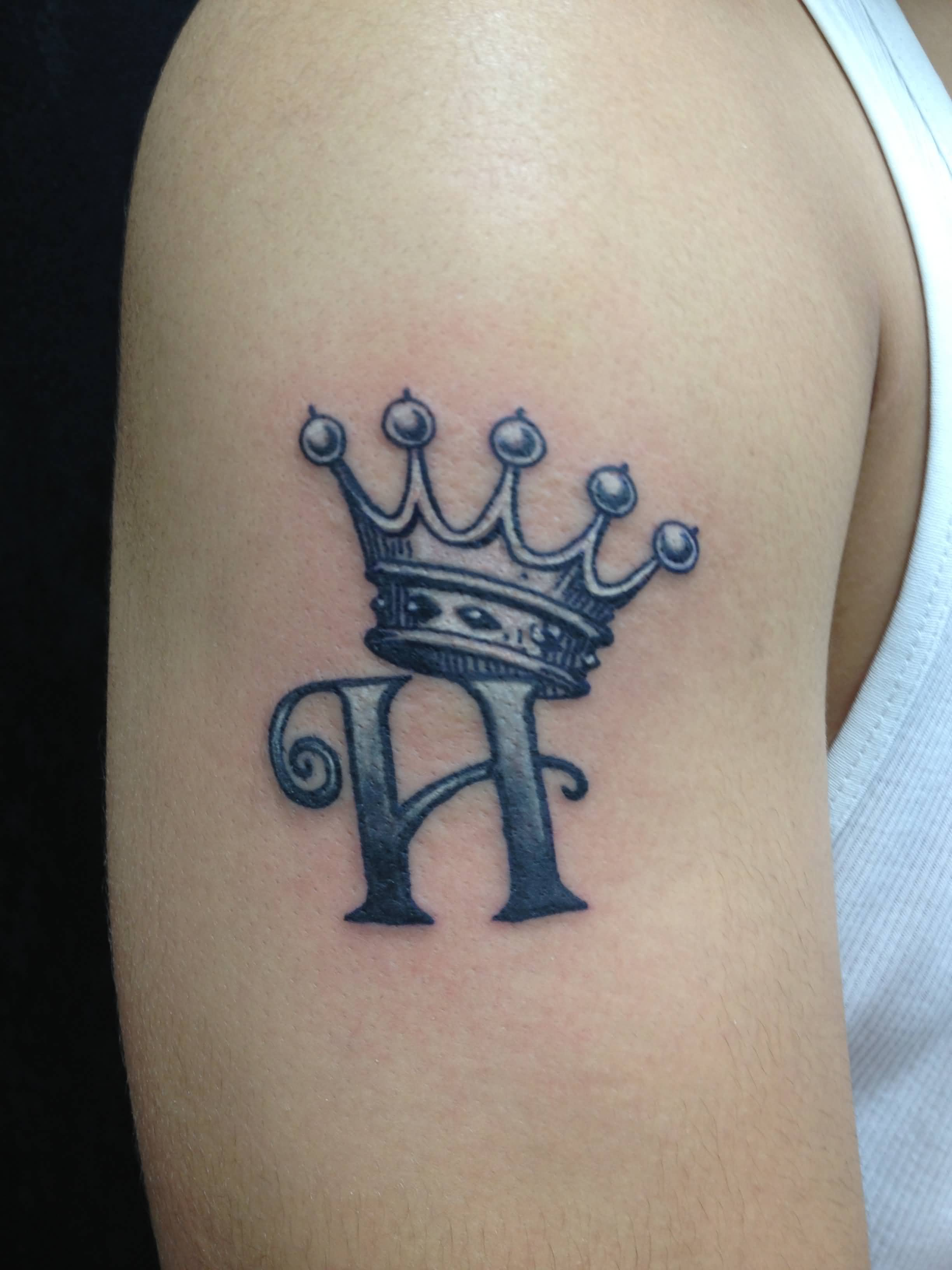 Letter H With Crown Tattoo On Right Shoulder