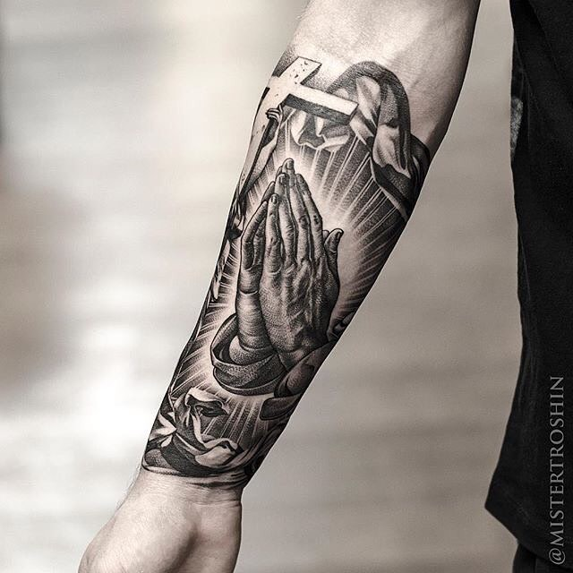 praying hands tattoo images designs
