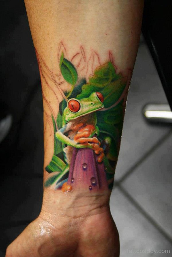 Realistic Frog Tattoo On Right Forearm