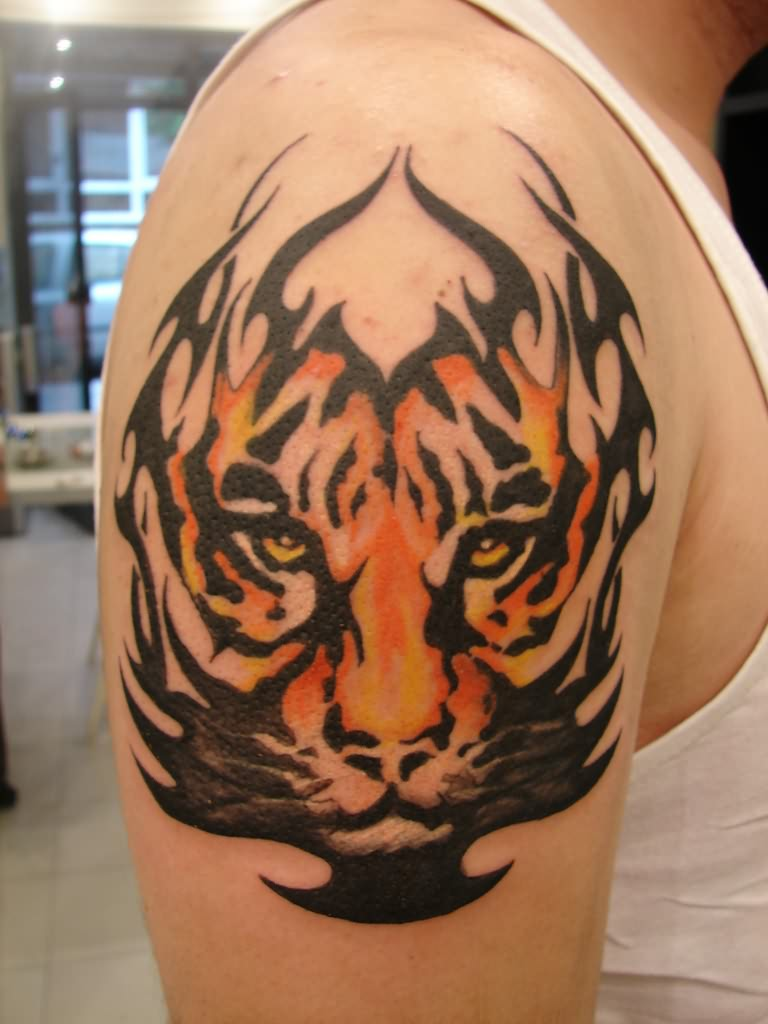 Tribal Tiger Tattoo On Shoulder