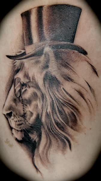 White black lion tattoo for Black and white lion tattoo