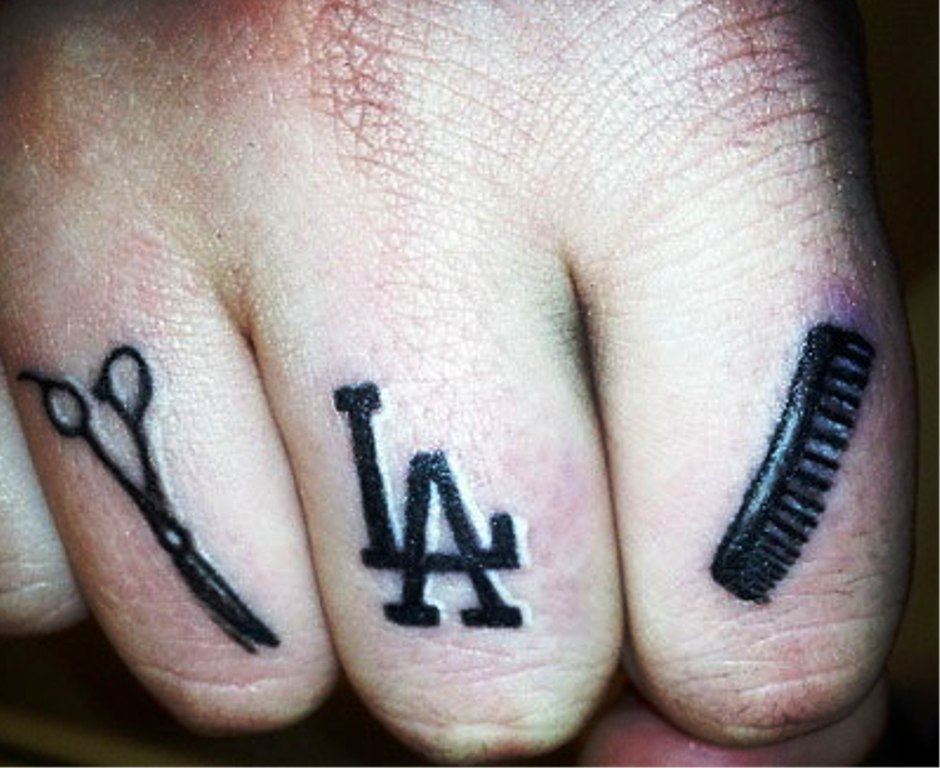 love passion scissor and comb tattoos on fingers. Black Bedroom Furniture Sets. Home Design Ideas