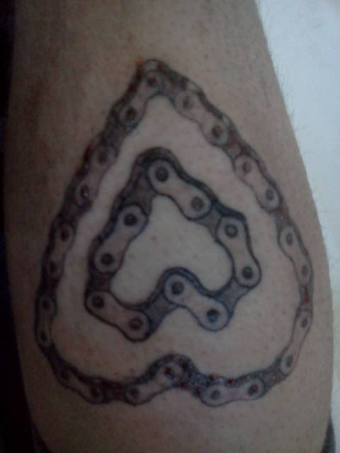 bike chain heart tattoo bicycling and the best bike ideas. Black Bedroom Furniture Sets. Home Design Ideas