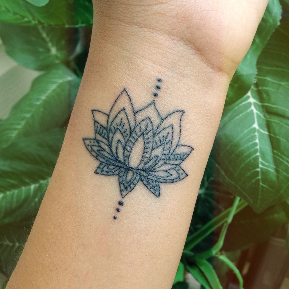 Incredible Realistic Lotus Flower With Small Heart And Musical Note