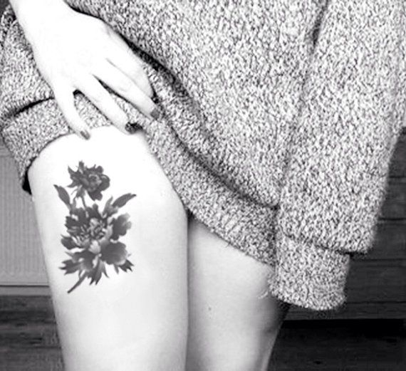 Vintage Floral Tattoo On Thigh